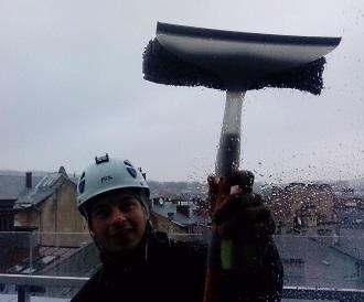 Миття фасадів та вікон в Львові